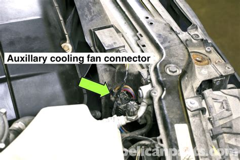 bmw e46 cooling fan replacement bmw 325i 2001 2005 bmw 325xi 2001 2005 bmw 325ci 2001