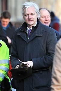 julian assange Picture 4 - Julian Assange Arrives at The ...