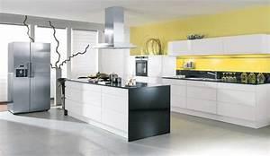 Swiss kuchen kucheneinrichtungen badmobel for Kücheneinrichtungen