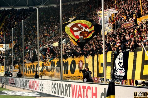 But another rival would at the same time disappear when the stasi outmaneuvered the army and fc vortwärts berlin was relocated to frankfurt an der oder in 1971. Away Days: Football Army Dynamo Dresden - Between Distances
