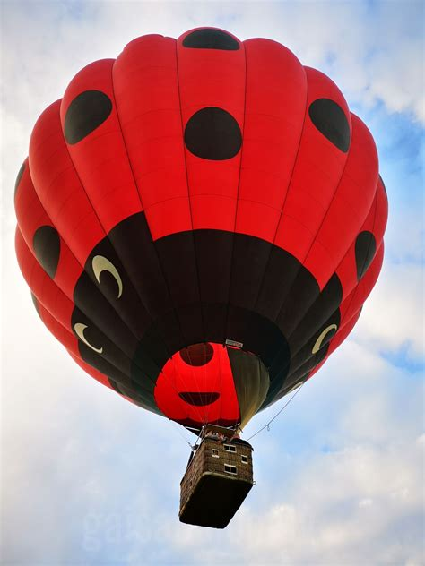 Lidojums ar gaisa balonu | Dāvanu Serviss