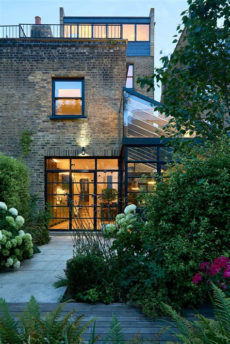 Incline House by Highbury Hill House By Blee Halligan Architects