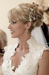 Accessoires Deco Mariage : 50 id es pour votre coiffure mariage cheveux mi longs ~ Teatrodelosmanantiales.com Idées de Décoration