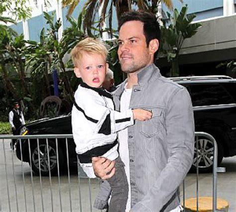 Mike Comrie and his son - Bio gossipy