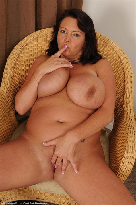 Sexy All Natural Busty Mature Spreads Pichunter