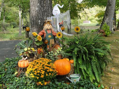 Outdoor Fall Decorations  Holiday Stuff Pinterest