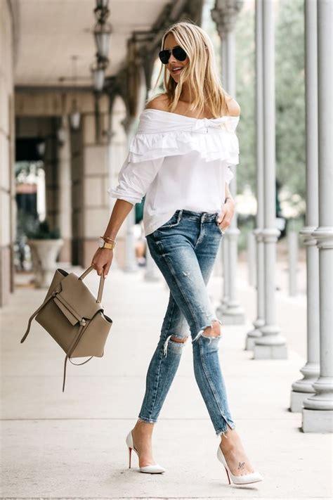 10 outfits modernos con los que su00ed puedes usar tacones blancos | Tacones blancos Jeans claros y ...