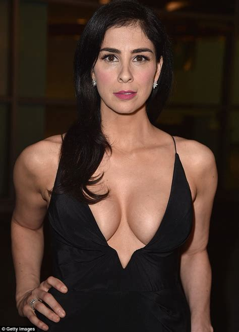 Hello Boys Sarah Silverman Displays Eye Popping Cleavage In Plunging Black Dress For Hollywood