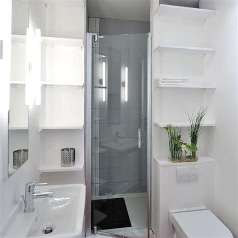 Fokus utama tentunya pada bak mandi yang tidak lebih dari 1 meter pada kamar mandi minimalis ukuran 1 x 2 ini. Desain Kamar Mandi Minimalis Ukuran 2x2 Meter
