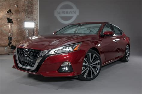 Nissan Altima Returns For 2019 With A New Engine, Safety