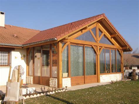 veranda en bois ossature alu pour veranda