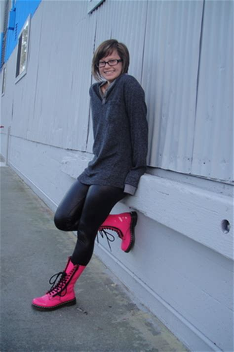 gray urban outfitters shirts black hue leggings pink dr martens boots  dexterity
