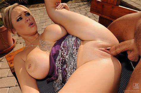 beautiful Wife Katie Kox Has hot sex with Her lover Outdoor my pornstar book