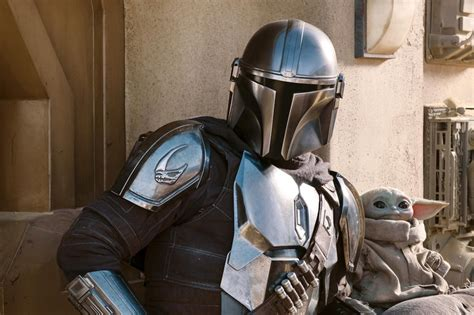 The Mandalorian Season 2 First Look Gives Us More of Baby ...