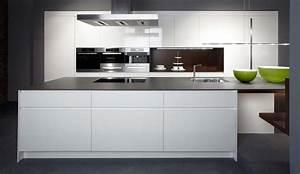 Bax Küchen Abverkauf : hochwertige k chen und arbeitsplatten mit kompetenter planung ~ Michelbontemps.com Haus und Dekorationen