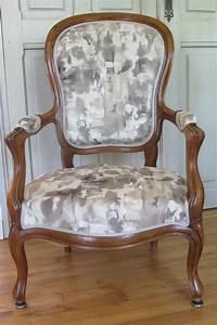 Tissu Pour Recouvrir Canapé : comment retapisser un fauteuil soimme comment recouvrir ~ Premium-room.com Idées de Décoration