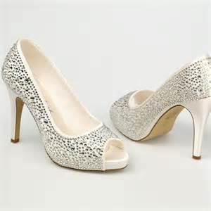 chaussure argentã pour mariage chaussure mariage ivoire en satin à bout ouvert talon 11 cm roxanne westerleigh