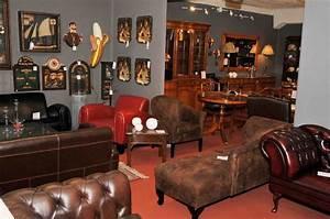 Salon En Anglais : canap s club et sofas chesterfield en cuir de vachette capitonn s disponible galement en tissu ~ Preciouscoupons.com Idées de Décoration