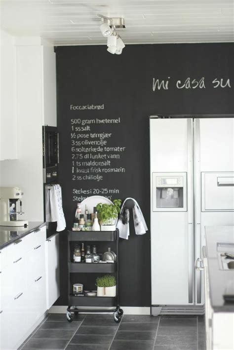 decoration murale cuisine déco mur cuisine 50 idées pour un décor mural original
