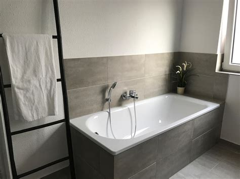 Badezimmer Grau Weis by Graues Badezimmer Bilder Ideen
