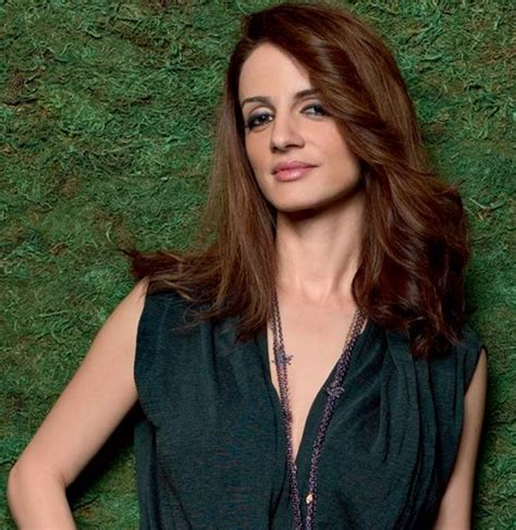 suzanne khan family  father mother  age