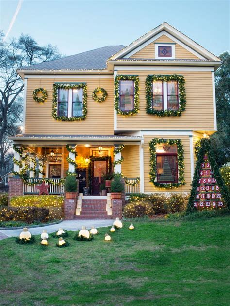 Festive Ways To Boost Your Home's Holiday Curb Appeal Hgtv