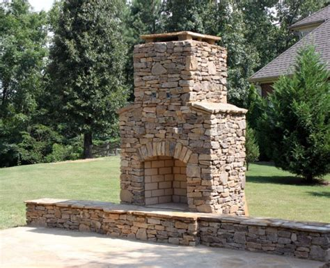 20 Beautiful Outdoor Stone Fireplace Designs
