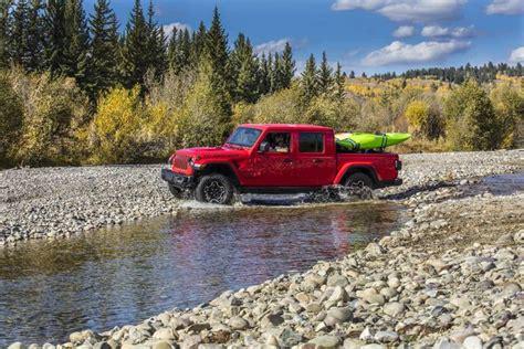cost  insure  jeep gladiator truck   jeep gladiator pickup trucks