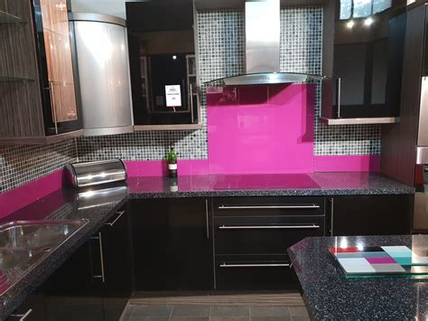 high gloss black display kitchen comprising floor units