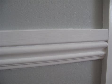 miss wenny how to install chair rail moulding