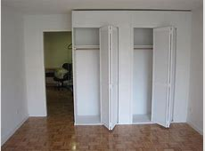 Elegant Dressing Room with Temporary Accordion Wall Room