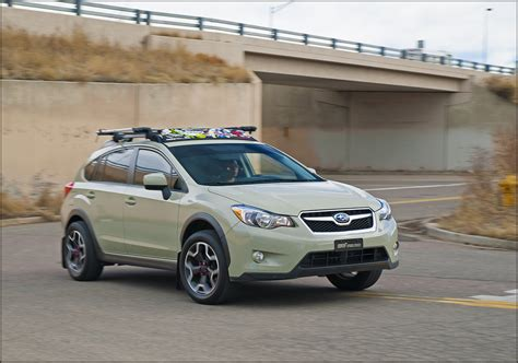 xv crosstrek  desert khaki checks    boxes