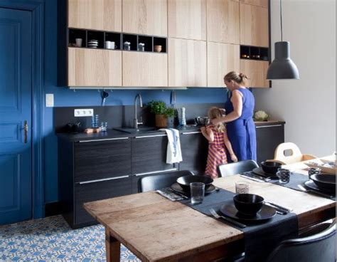 modèle de cuisine ikea metod avec des façades noires