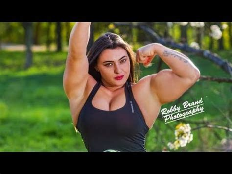 big muscle girl fitness gym workout jessica mafessolli