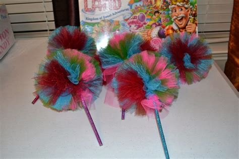 tulle pom poms  fun tutorials guide patterns