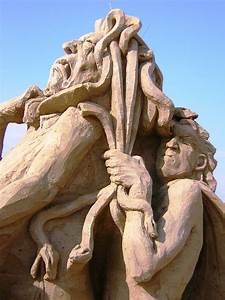 Perseus Slaying Medusa Picture, Perseus Slaying Medusa Image