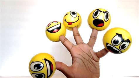 Super Funny Emoji Finger Family