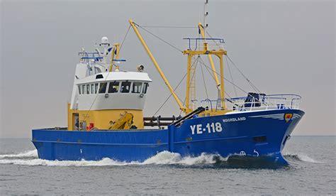 Un Barco Pesquero Recolecta ye 118 1
