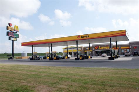Love's Travel Stops to Build 20 in 2011 | Shelby Report