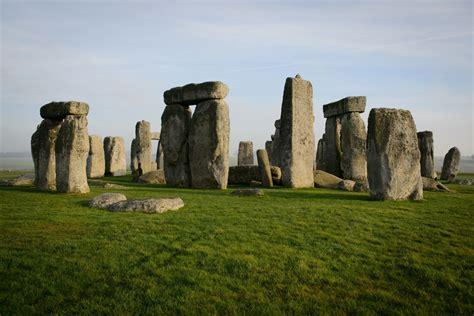 stonehenge bones   elite women reveals gender