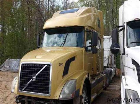 semi volvo truck parts volvo vnl780 2003 sleeper semi trucks