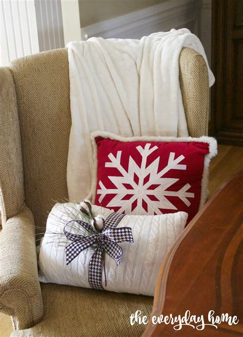 christmas pillow     minutes