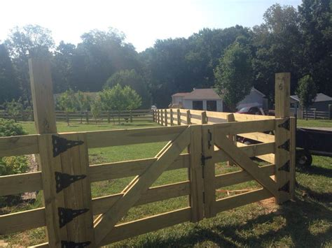 farm fencing fence gate horse fences gates wood google driveway farms front stables timber entry country dog entrance yard rail