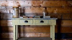 Peindre Un Meuble Ancien En Blanc : repeindre un meuble vernis en blanc repeindre meuble en ~ Dailycaller-alerts.com Idées de Décoration