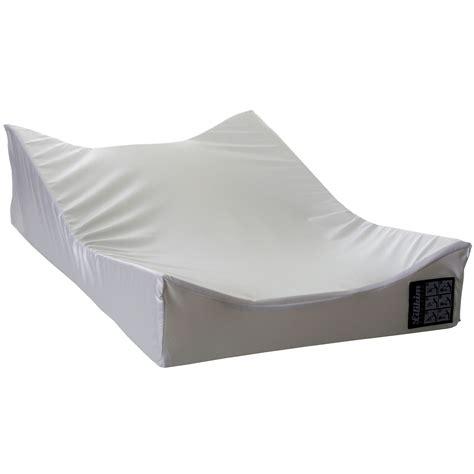 chambre de bébé aubert matelas à langer sofalange blanc de lilikim matelas à