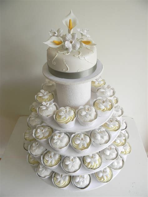 Just Call Me Martha Celia And Istvans Wedding Cake And Cupcakes