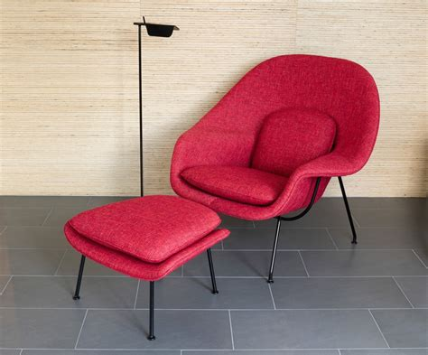 womb chair  ottoman  eero saarinen  knoll