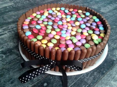 kitkat smarties torte