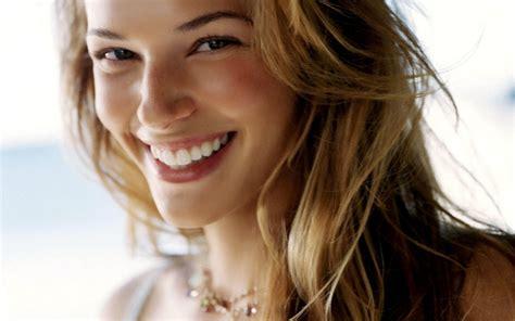 Latest Celebrity Photos Amanda Righetti Sexy And Hot Wallpapers