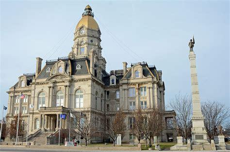 File:Vigo County Courthouse, Terre Haute, IN, US (15).jpg ...